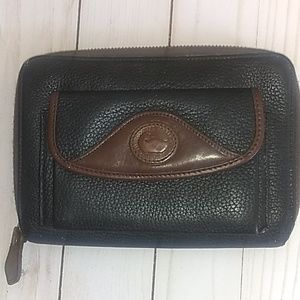 Vintage Dooney & Bourke black wallet